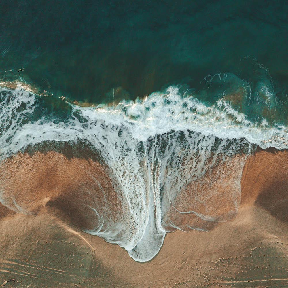 Vague sur la plage en Australie