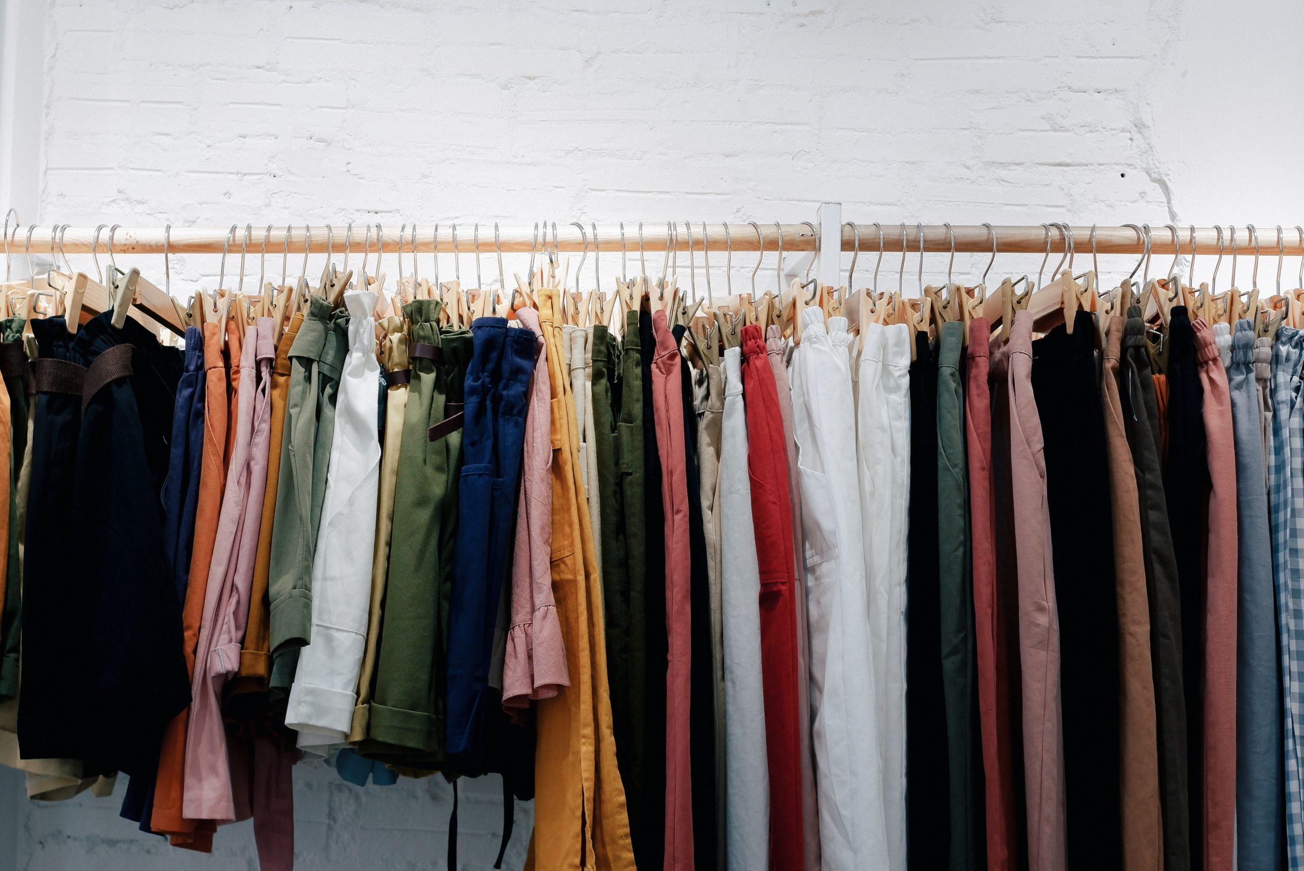 Soldes : mode éphémère, conséquences planétaires