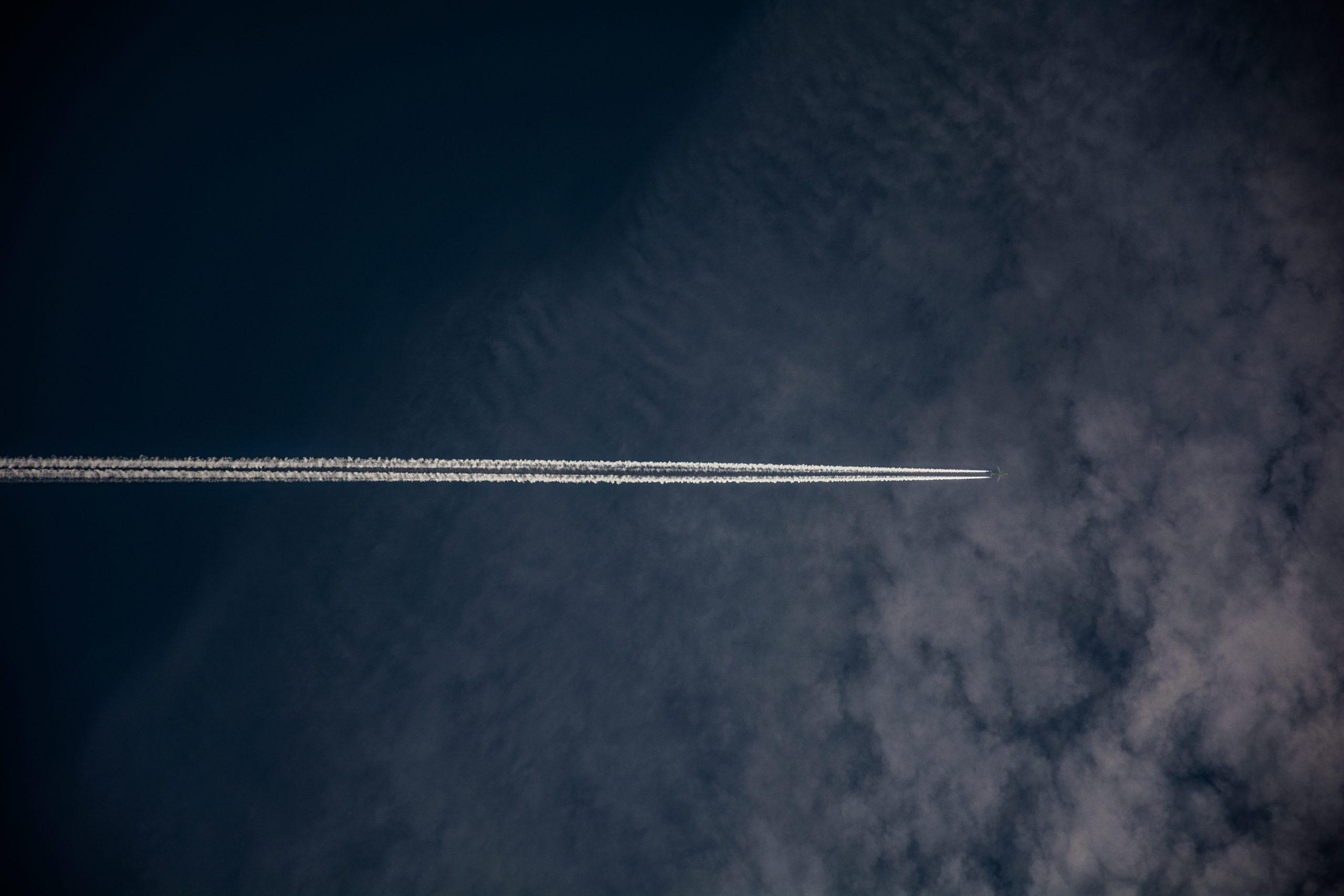 Transport aérien : il n'y a pas que les émissions carbone qui menacent la planète