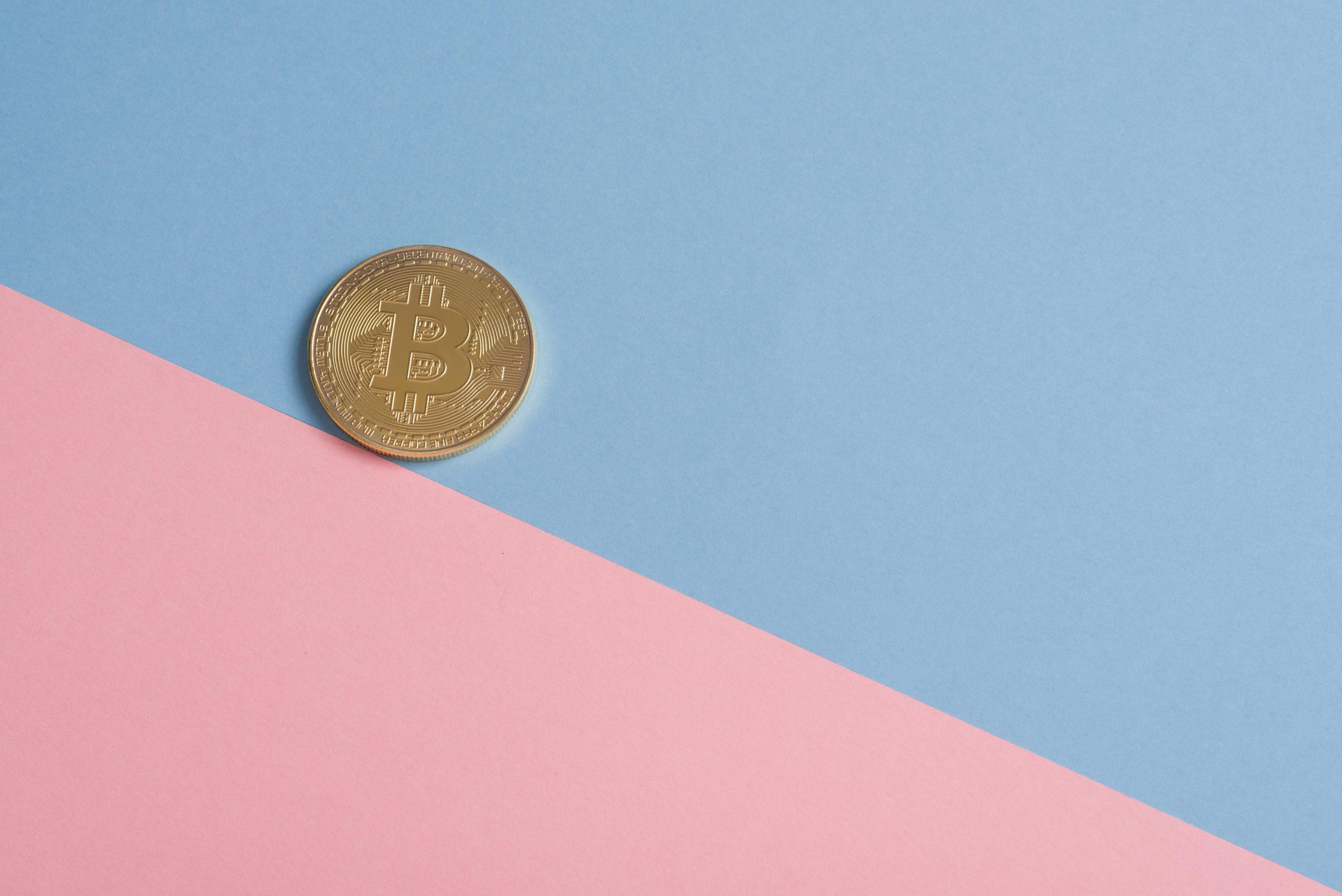 Bitcoin, ether, NFT : monnaies virtuelles, impact réel
