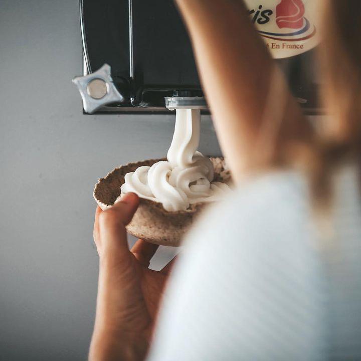Vente à emporter zéro déchet dans un contenant comestible avec Vegetal Yogurt